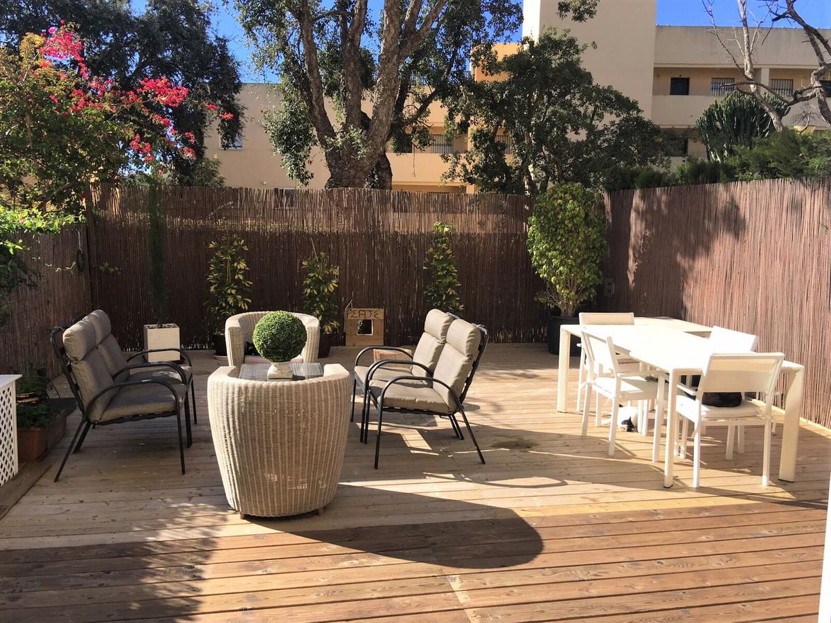 Marbella Banus Apartamento en Venta en Calahonda – R3838447