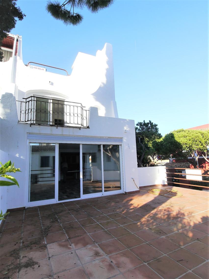 Marbella Banus Pareado en Venta en Calahonda – R3300769