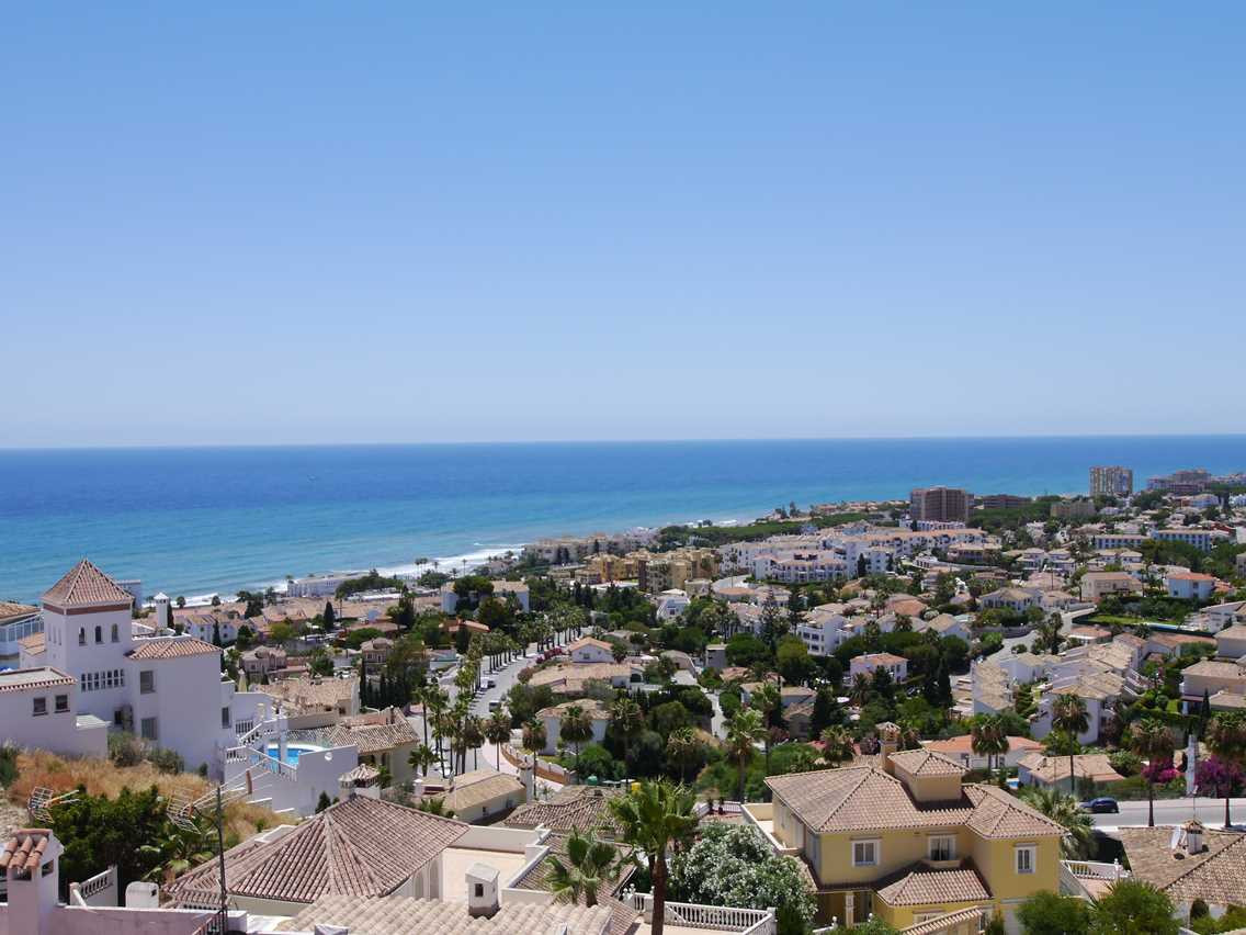 Brand new duplex with spectacular panoramic sea views and walking distance to the beach and all amen,Spain