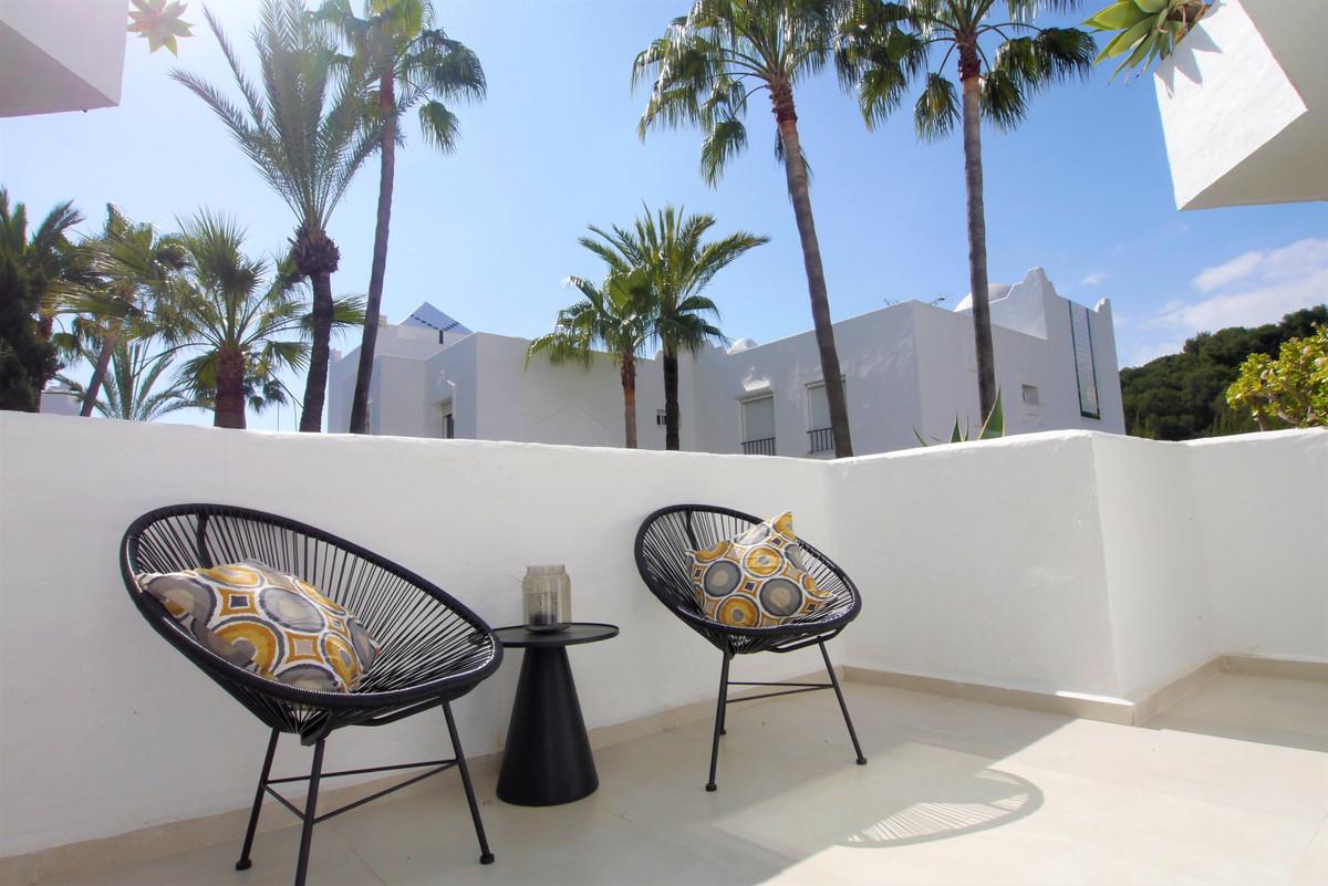 Marbella Banus Apartamento Planta Media en Venta en Marbella – R3744889