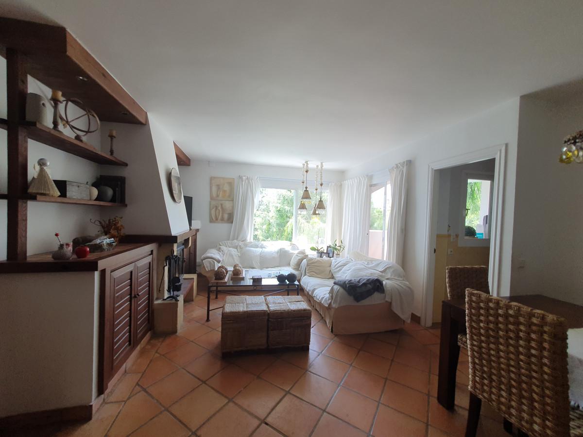 Apartamento en Venta en Las Chapas – R3920920