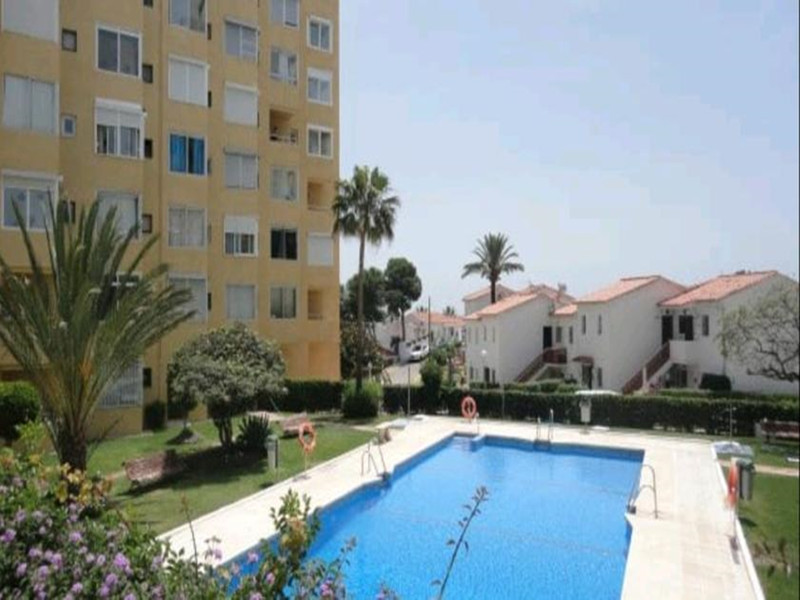 Middle Floor Studio in El Faro for sale