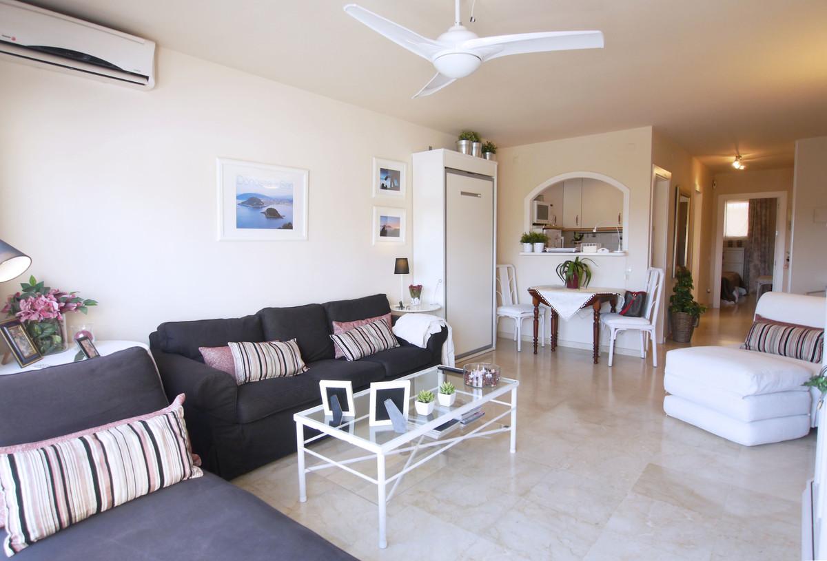 Apartamento en Venta en Nueva Andalucía – R3288076