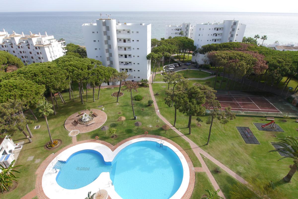 Marbella Banus Apartamento Planta Media en Venta en Calahonda – R3307675