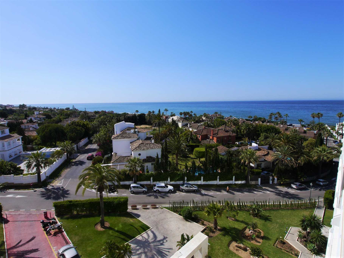 Beautiful apartment with spectacular sea views and walking distance to the beach. The apartment has ,Spain