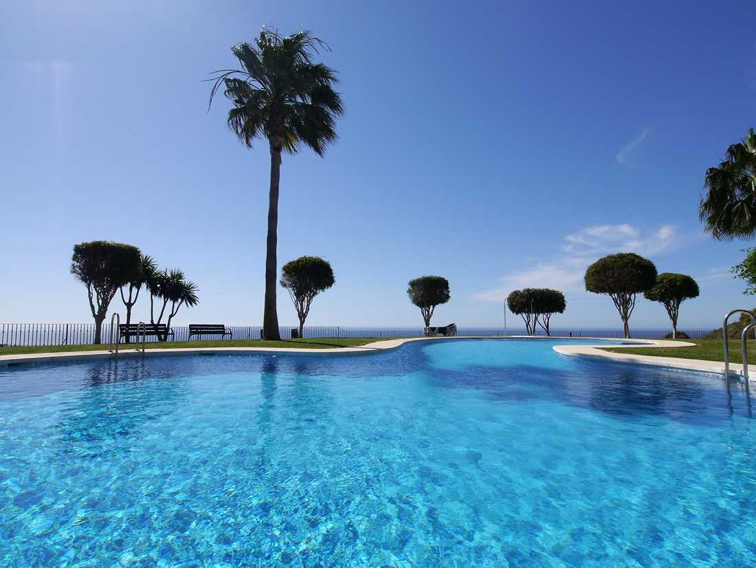 Spectacular duplex with panoramic views of the sea and the mountains. The apartment has on the first,Spain