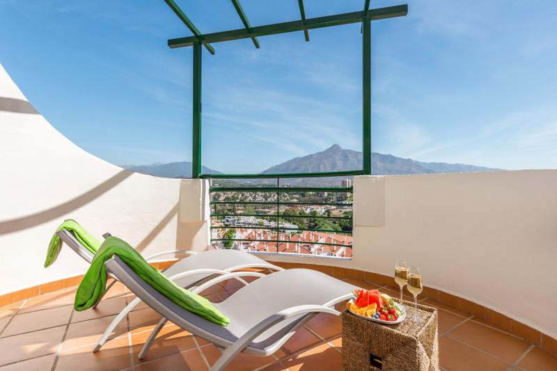 Marbella Banus Apartamento Planta Media, Nueva Andalucía – R3605495