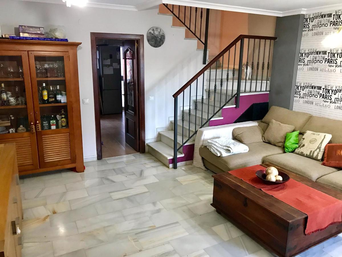 Unifamiliar 4 Dormitorios en Venta Torremolinos