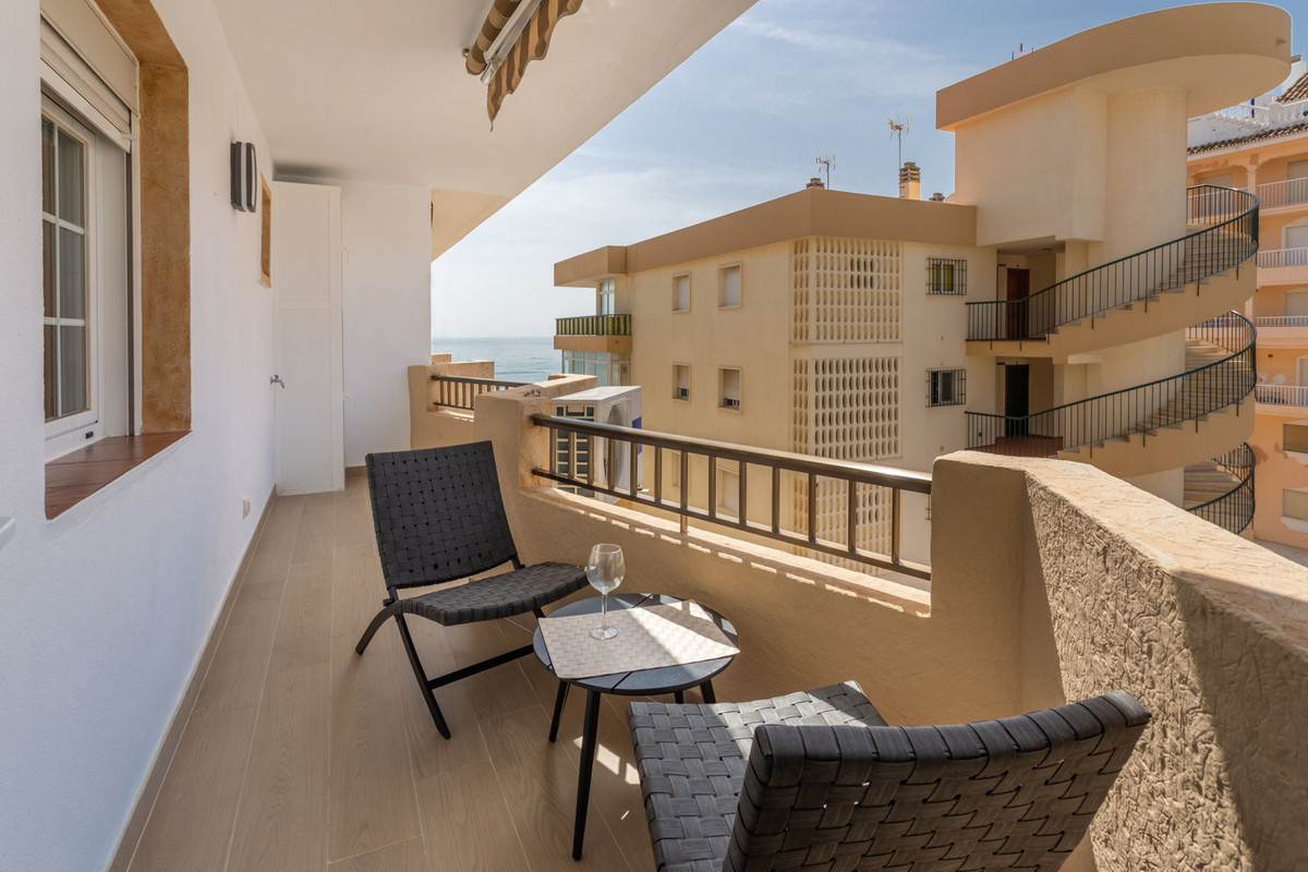Wonderful apartment in first beach line! Absolutely refurbished and ready to be moved in!  This prop,Spain