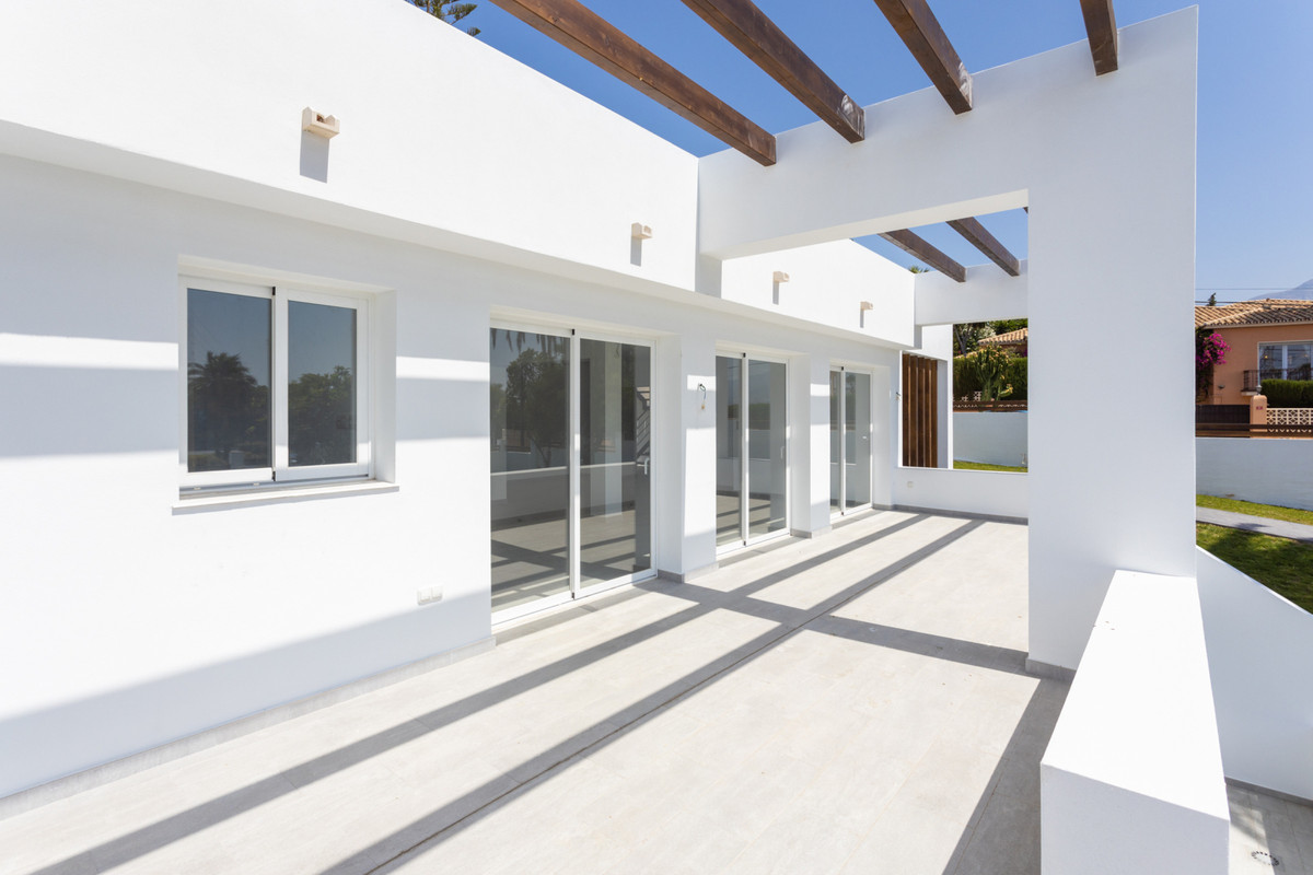Are you looking for a villa that could be your home for the next years in Marbella? This villa is to, Spain