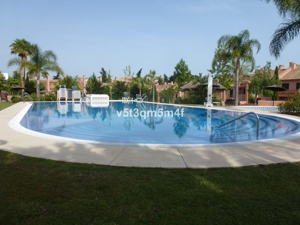 5 Bedroom Townhouse for sale Los Monteros