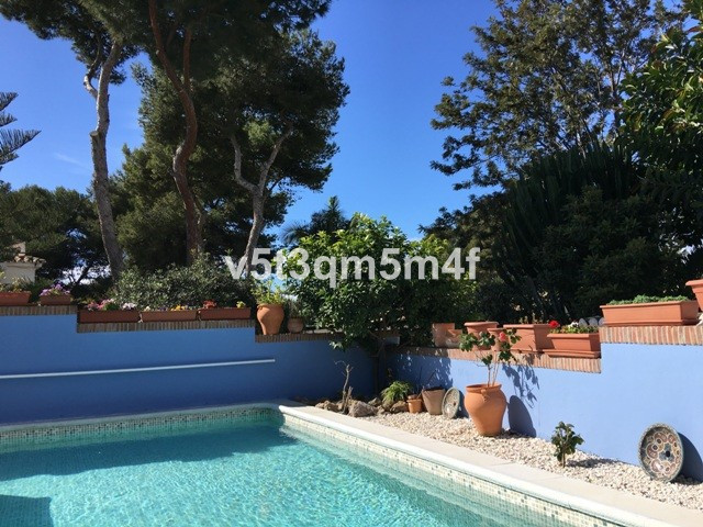 Excellent villa in Costabella in second line of the best beach in Marbella. Near amenities, hospital,Spain