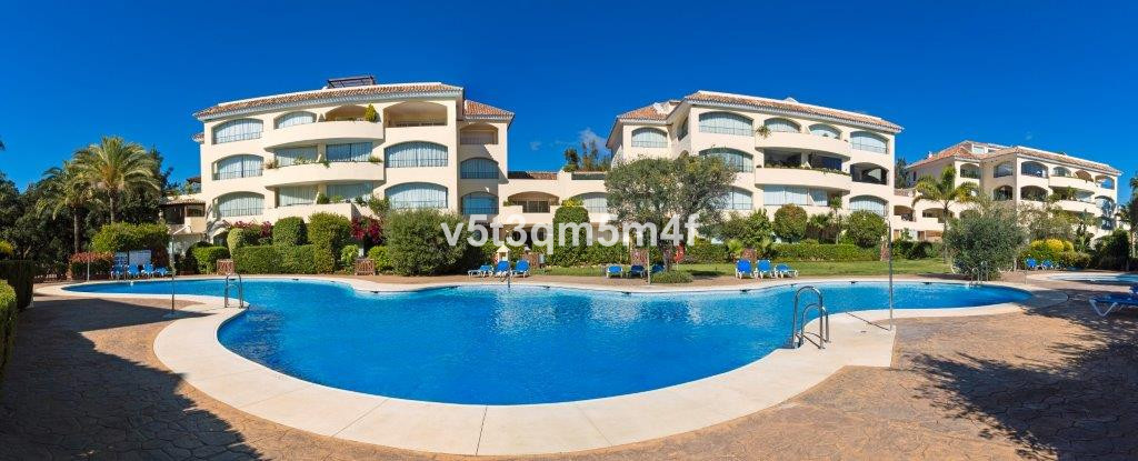 Beautiful apartment in the best area of ??Marbella (Los Monteros area). It consists of 3 bedrooms en, Spain