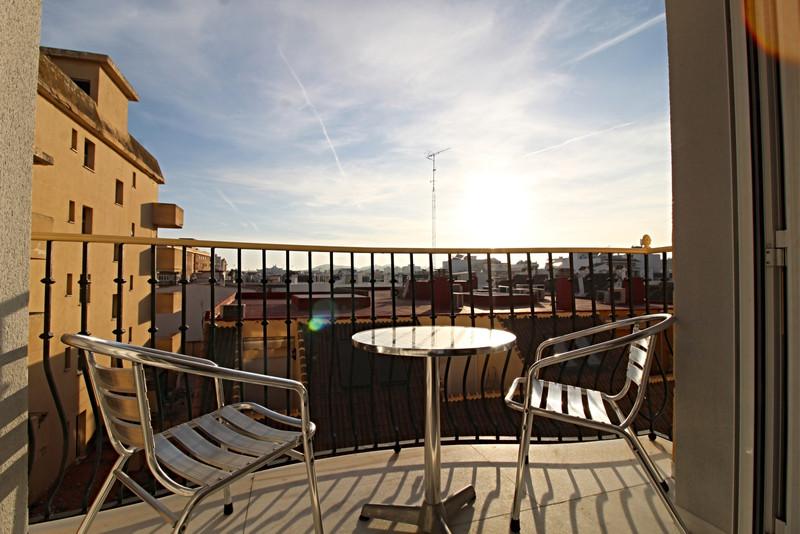 Marbella Banus Middle Floor Apartment a la venta, Fuengirola – R3609227