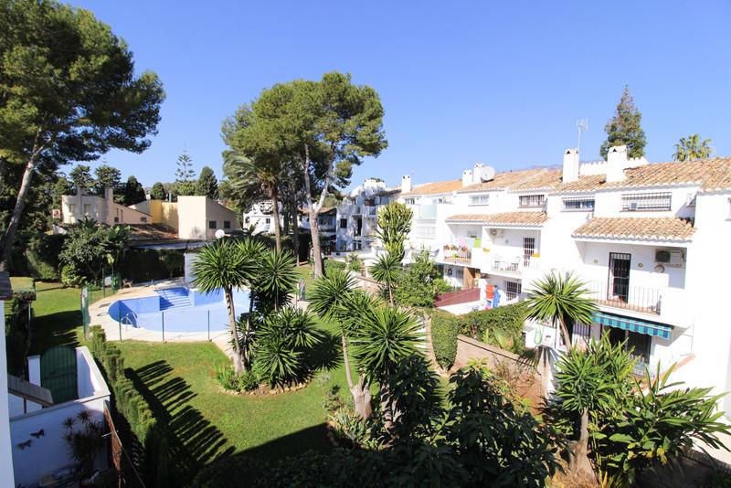 Marbella Banus Apartamento Planta Media en venta en El Coto – R3615614