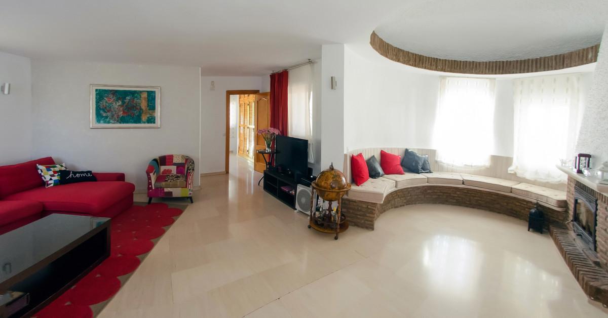 Villa 4 Dormitorios en Venta El Coto