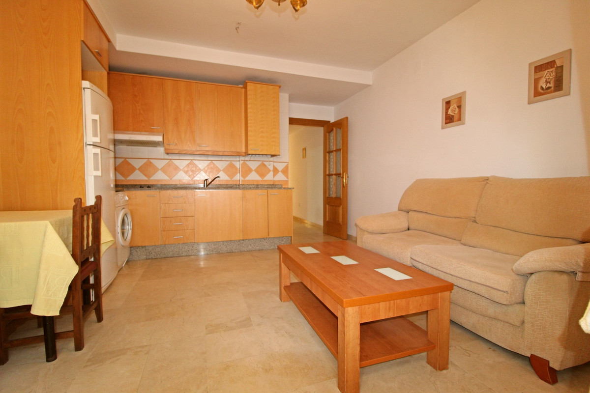 Apartment in a modern building second line from the beach. It has one bedroom, one complete bathroom, Spain
