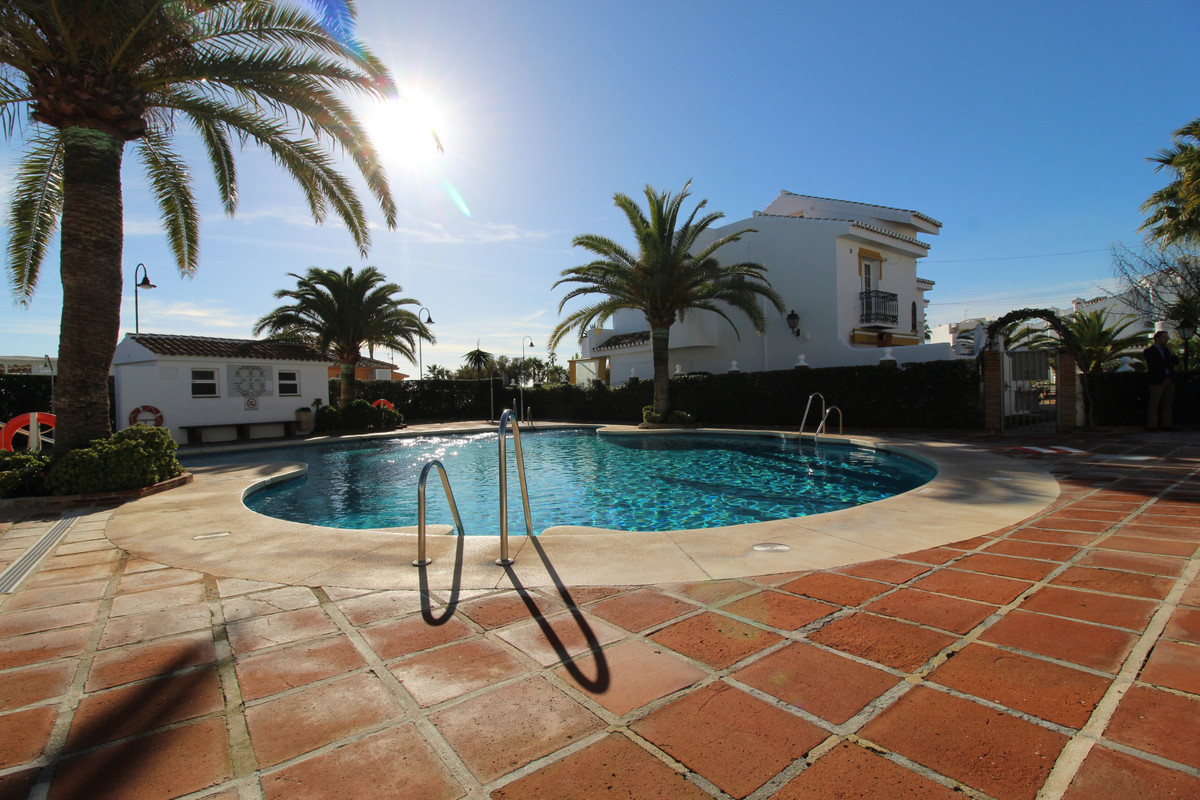 Townhouse, La Cala, Costa del Sol. 3 Bedrooms, 2.5 Bathrooms, Built 98 m2;, Terrace 19 m2;.  Setting, Spain