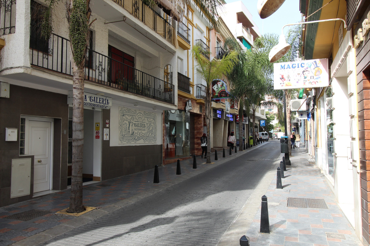 Commercial premises in one of the most sought after locations in Fuengirola centre, in Miguel de Cer, Spain