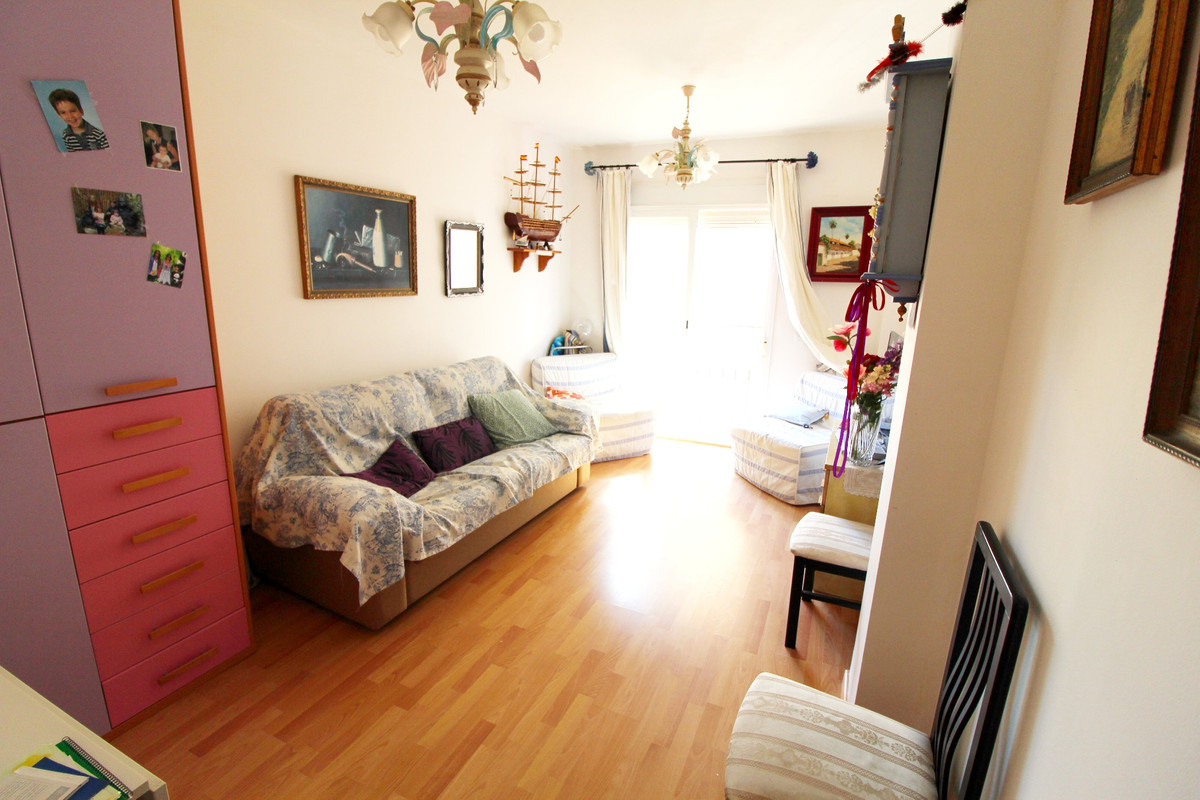 Apartment right in the city centre of Fuengirola, two  minutes away from the beach but in a quiet st,Spain