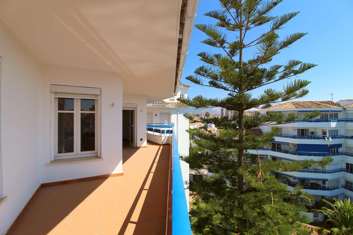 Spacious apartment in Pueblo Lopez area with a 33m2 terrace, three bedrooms, one big bathroom, a new, Spain