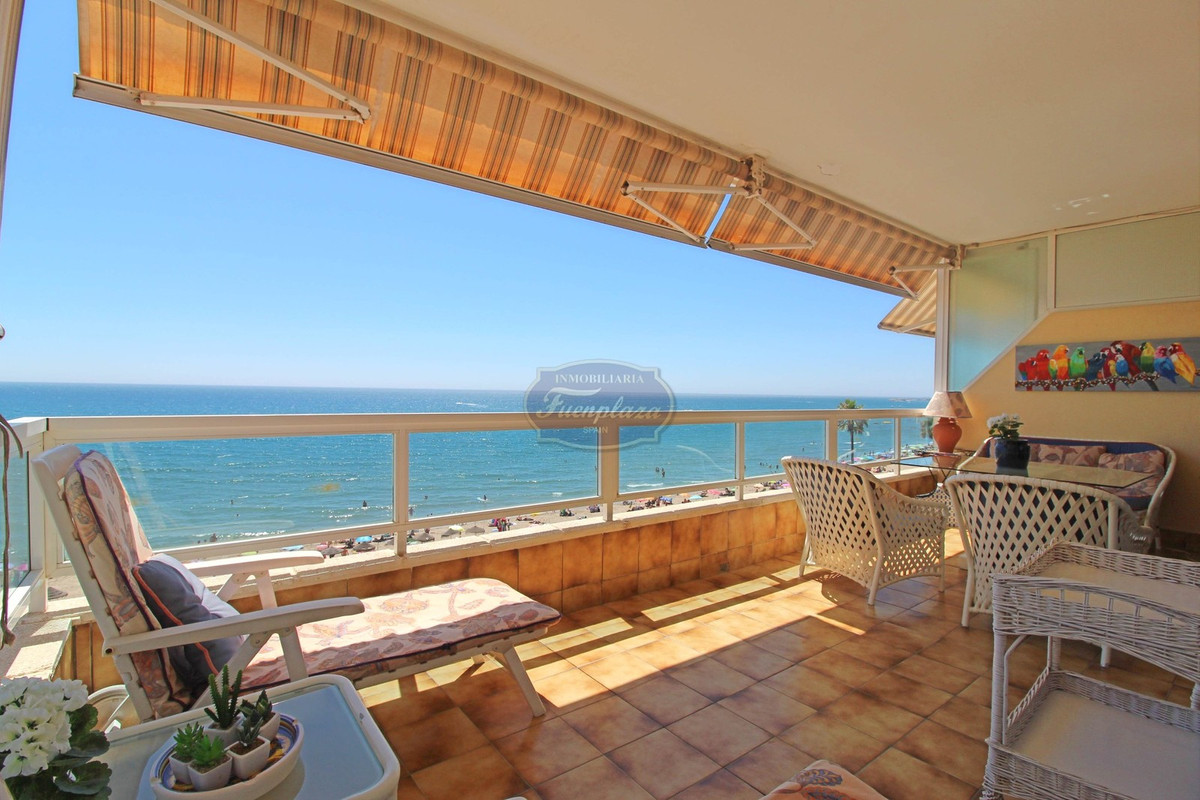 Sea Front Apartment in Fuengirola-Torreblanca. 4 bedrooms, 3 bathrooms, closed large terrace, furnis, Spain