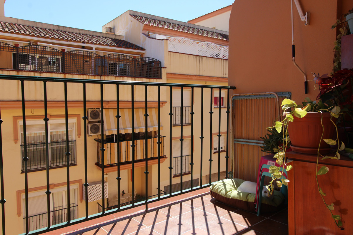Middle Floor Apartment, Las Lagunas, Costa del Sol. 3 Bedrooms, 2 Bathrooms, Built 111 m2;, Terrace , Spain