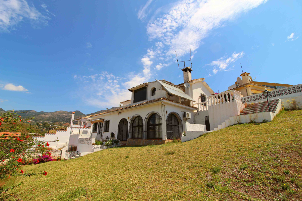 3 bedroom villa for sale torreblanca