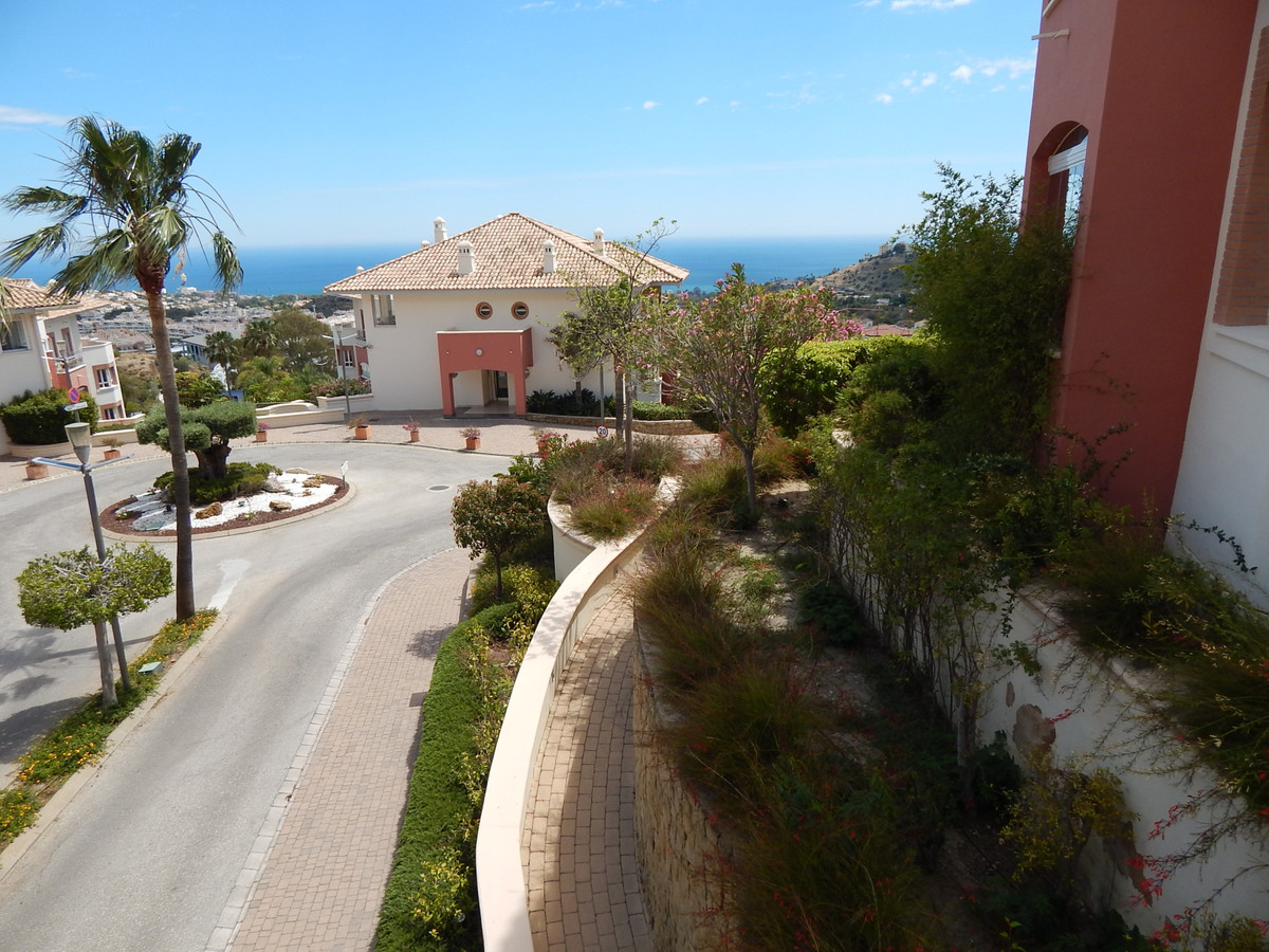Sensara is a private complex, with, security,  reception, pool , gardens, spa, courtesy parking spac,Spain