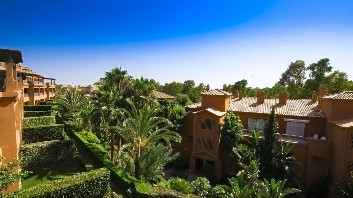 Marbella Banus Ático en Venta en Atalaya – R3745519