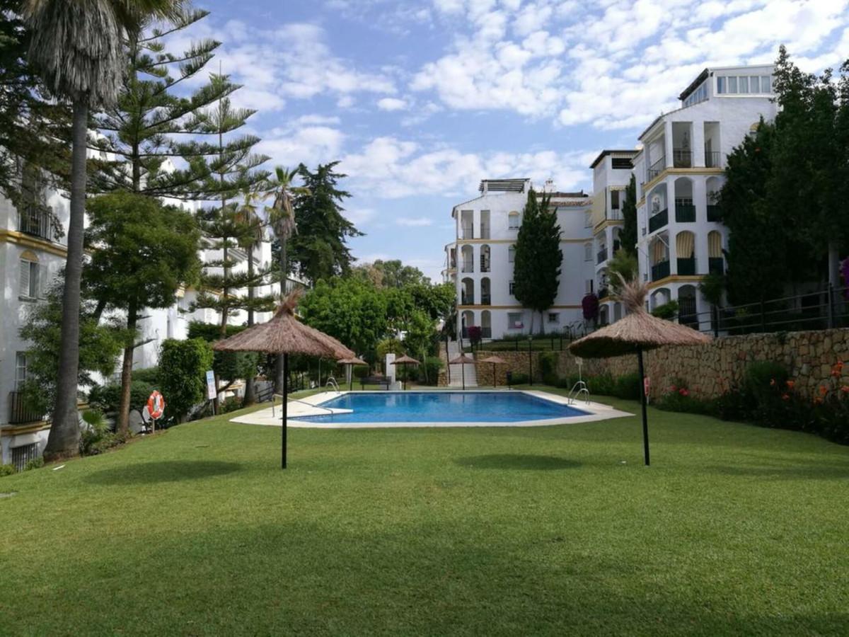 Marbella Banus Apartamento en Venta en Atalaya – R3742795