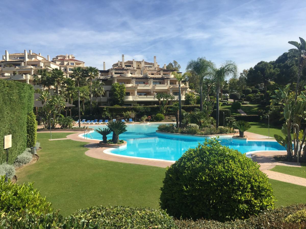 Marbella Banus Apartamento en Venta en Benahavís – R3655643