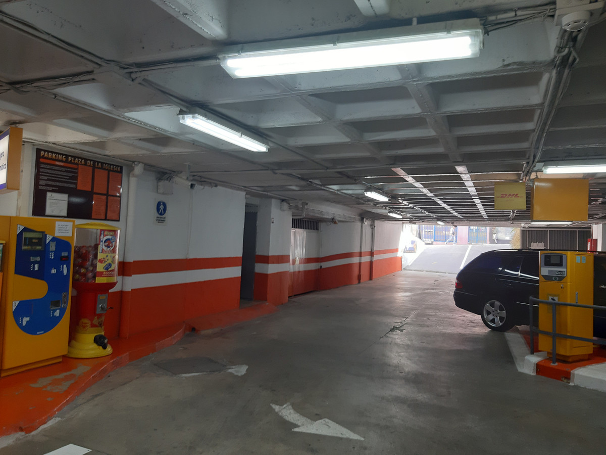 OFFER OF SALE OF PARKING IN REGIME OF ADMINISTRATIVE CONCESSION Parking located in the Plaza de la I,Spain