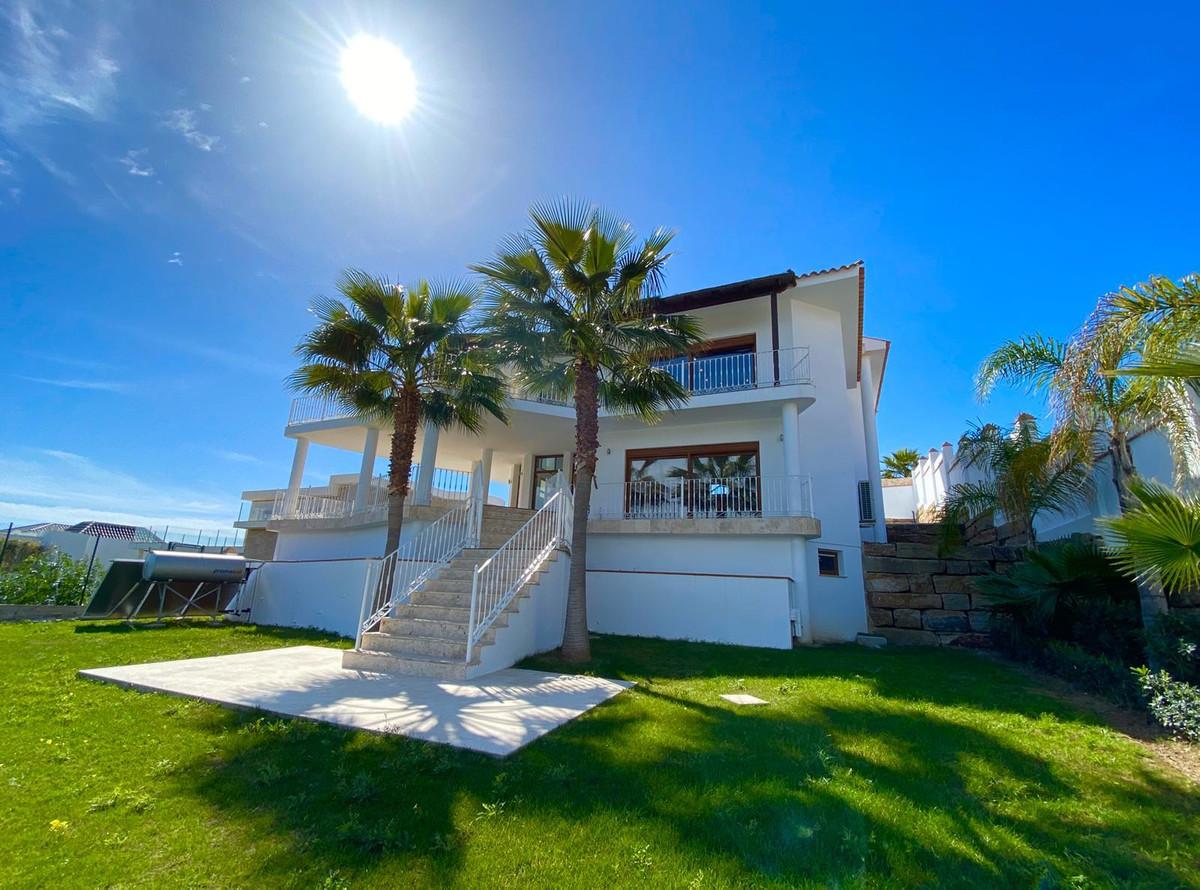 Detached Villa for sale in Los Flamingos R3122944