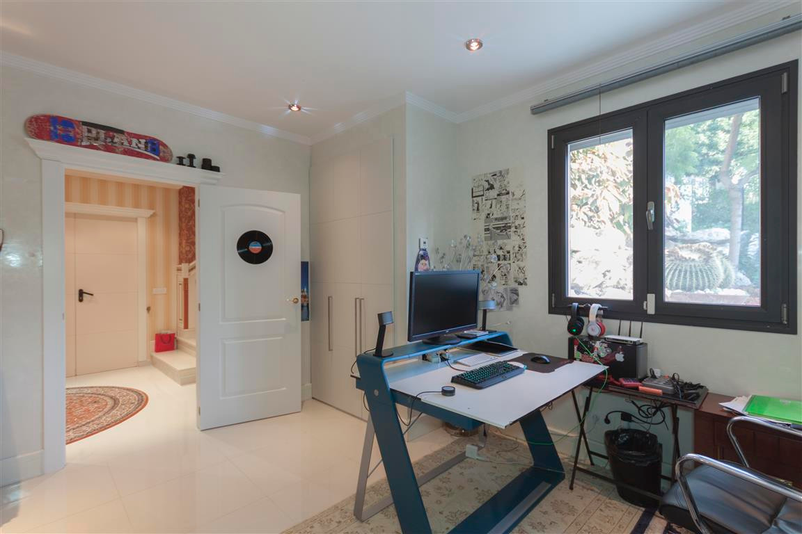 House in Marbella R2874281 13