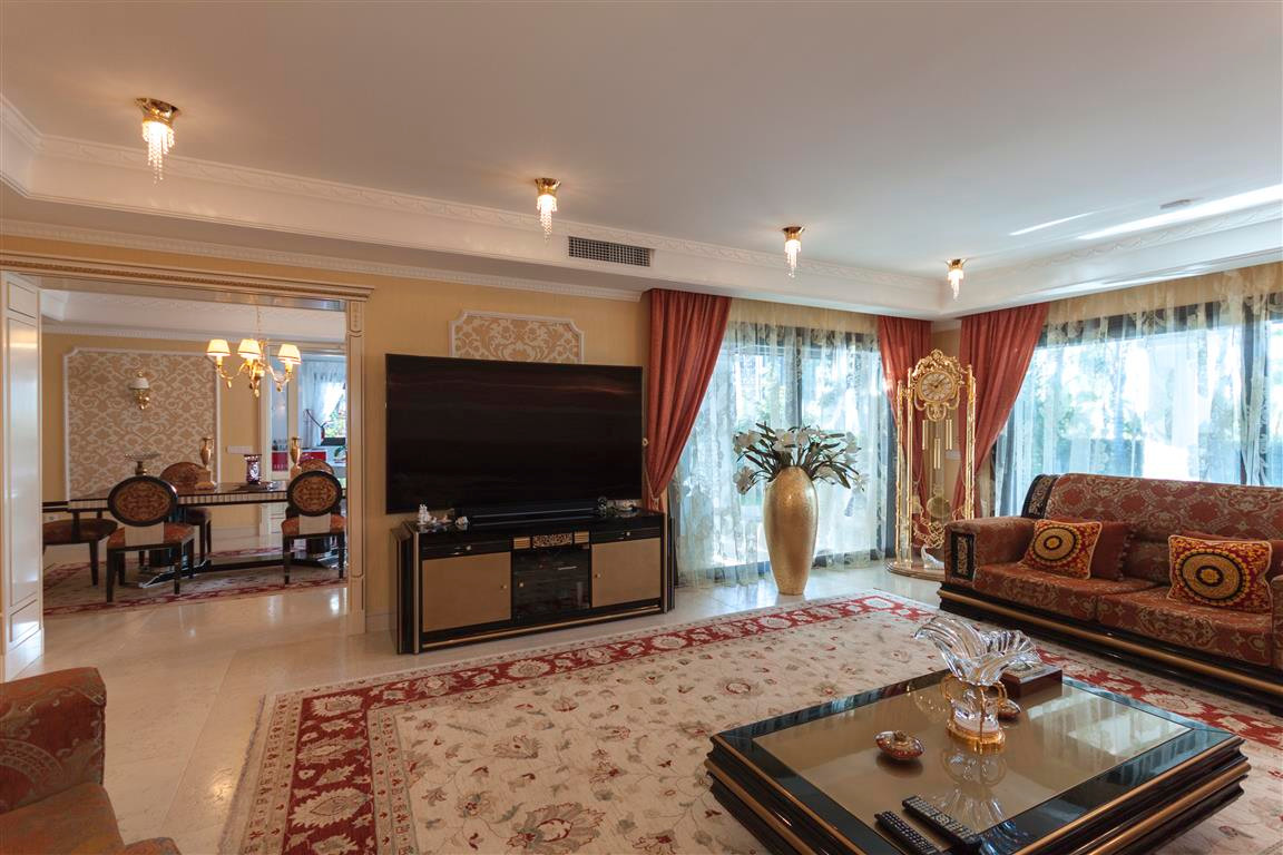 House in Marbella R2874281 5