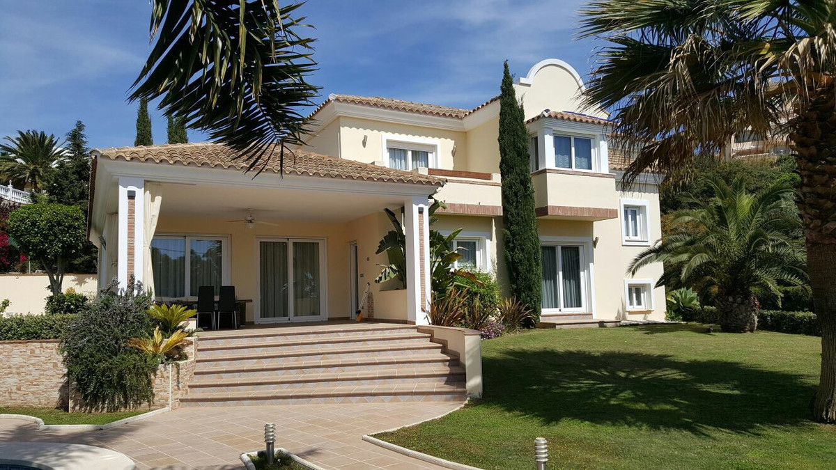 Detached Villa for sale in Elviria R2895767