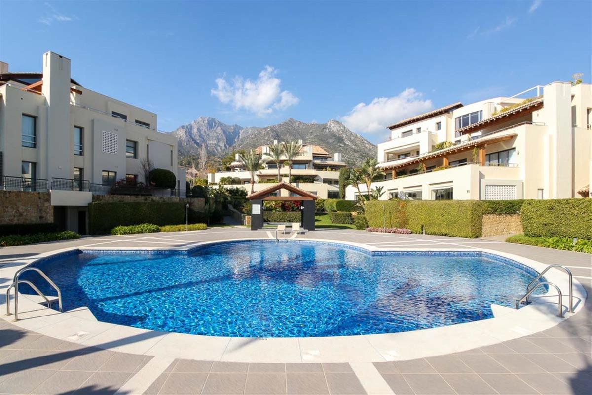 Fritliggende Villa Til salg i Sierra Blanca R3481507