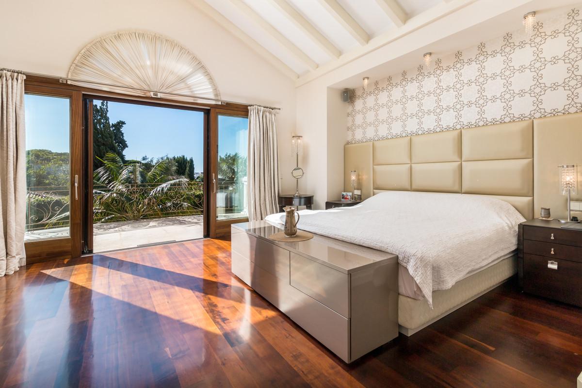 Villa en Venta en The Golden Mile – R3538069