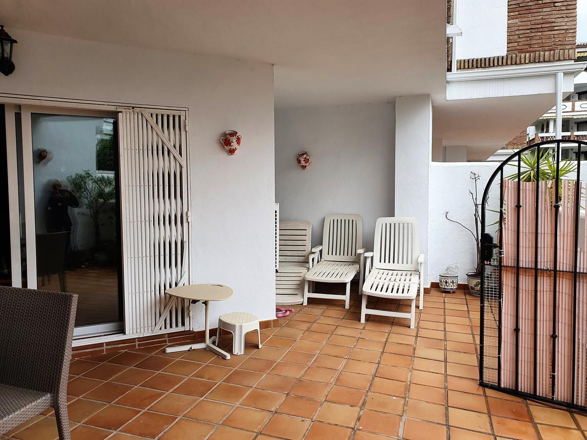 Apartamento en Venta en Calahonda – R3842596