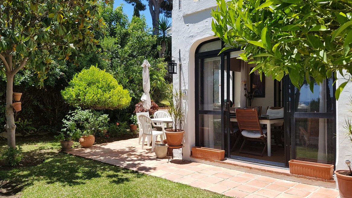 Walking distance to La Cala de Mijas and only a few minutes walk to the beach !! Ideal opportunity t, Spain