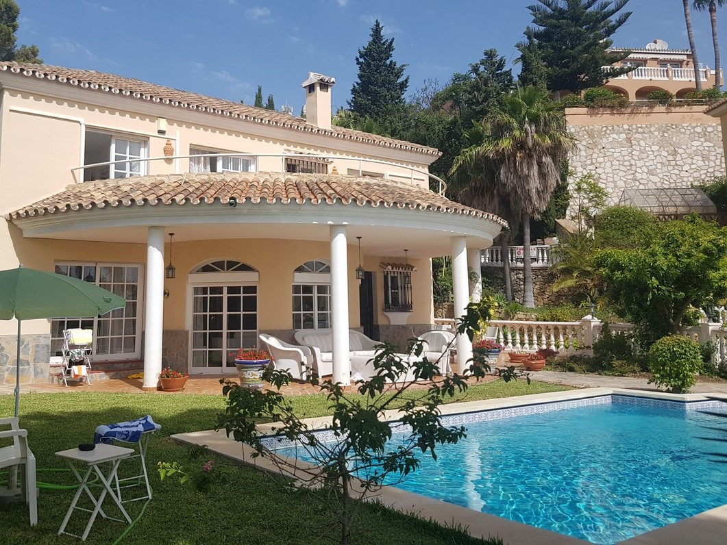 Stunning detached villa with fantastic sea views in the highly desirable urbanisation of Torrenueva., Spain