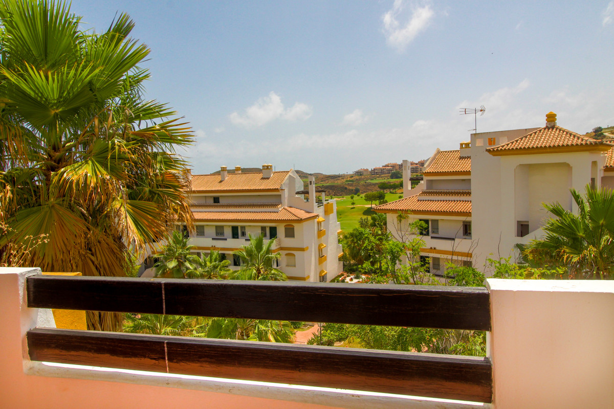 This elegant 1-bedroom apartment located in the well-known Calanova Grand golf urbanization has it a, Spain