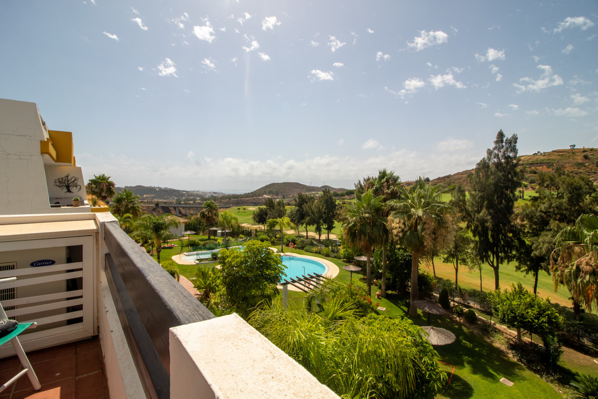Beautiful 2 bedroom and 2 bathroom apartment in Calanova golf. It is located on the 1st floor, from , Spain
