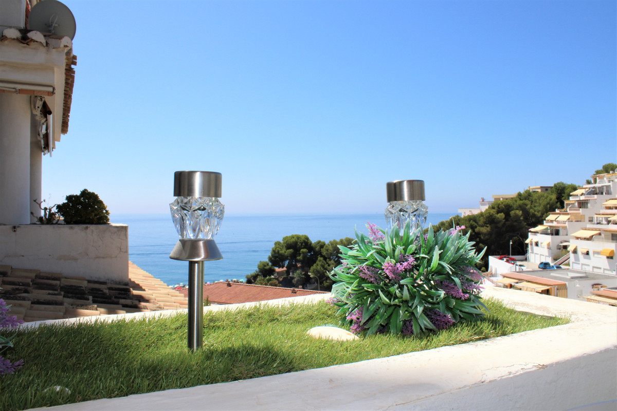 Well maintained large bright apartment with a lovely terrace and wonderful views of the Mediterranea,Spain