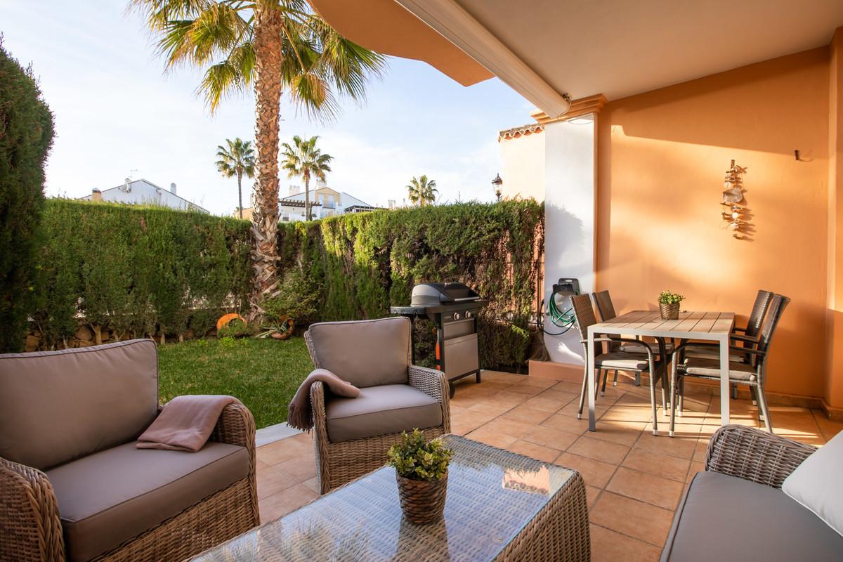 Pareado en Venta en Bahía de Marbella – R3515005