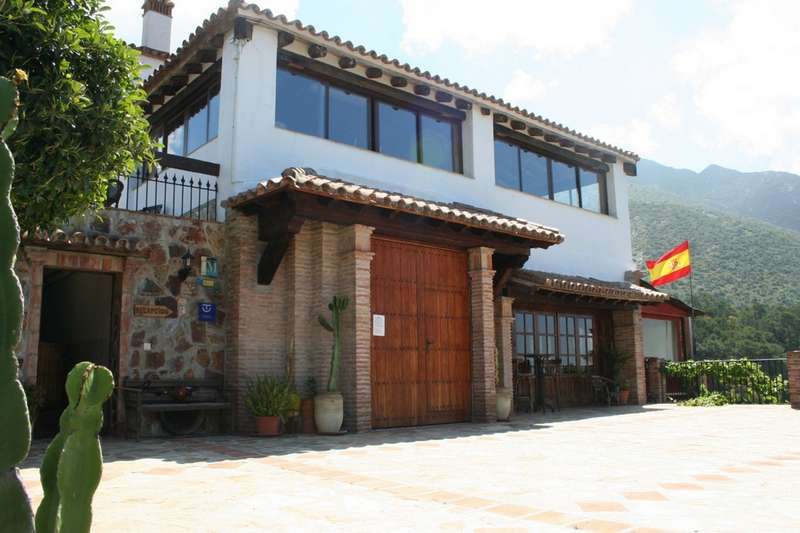 Hotel for sale in Istán R877668