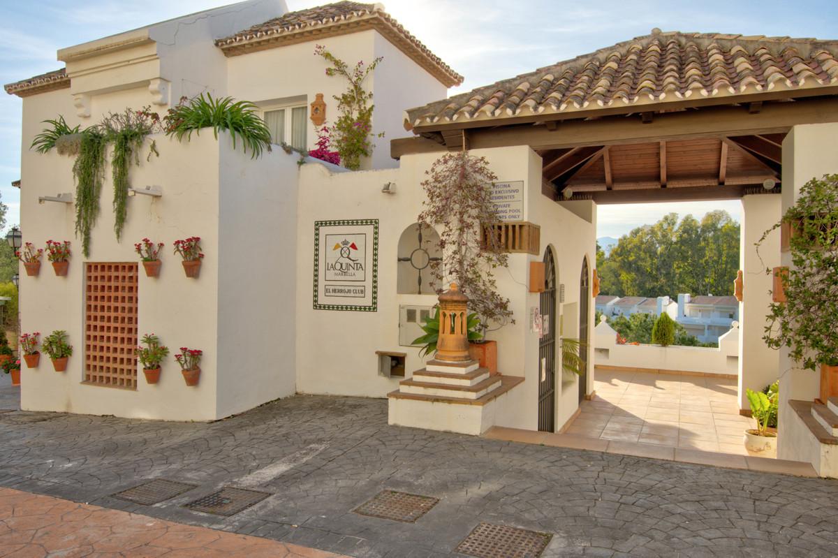 Pareada en Venta en La Quinta – R3614981