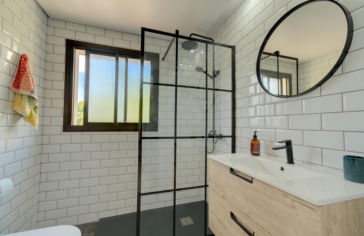 R3862534 | Penthouse in Benahavís – € 189,000 – 2 beds, 2 baths