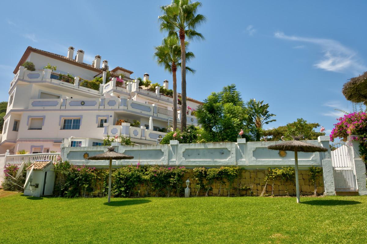 Marbella Banus Apartamento Planta Media en Venta en Puerto Banús – R3694340